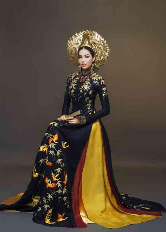 Tiểu luận: Nguồn gốc lịch sử của áo dài, hình ảnh áo dài với bạn bè năm châu, hình ảnh đẹp trong ngày hội dân tộc